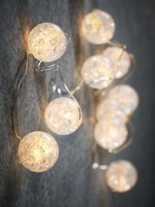 Новогодняя светодиодная гирлянда с шариками теплого белого света на батарейках, 10 ламп, 90 см LUCA LIGHTING